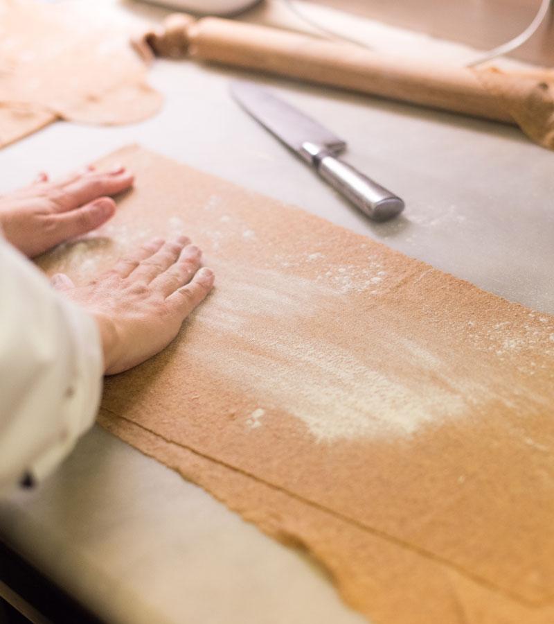 preparazione pasta fresca fatta in casa